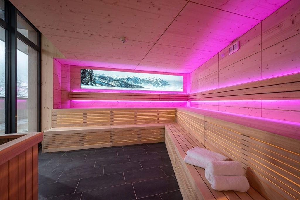 Fassade - Leuchtschrift, Referenzen L3 Lichtwerbung