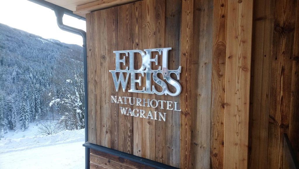 Leuchtschrift Hotel Edelweiss