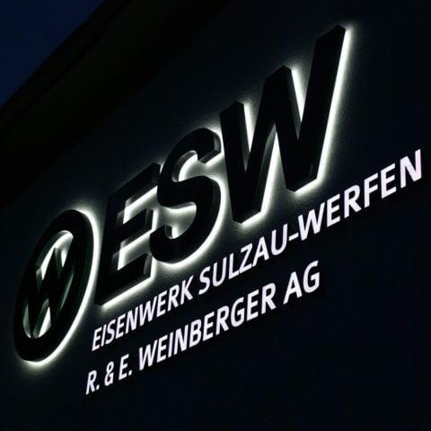 Leuchtschrift – Lichtwerbung in Salzburg, Österreich