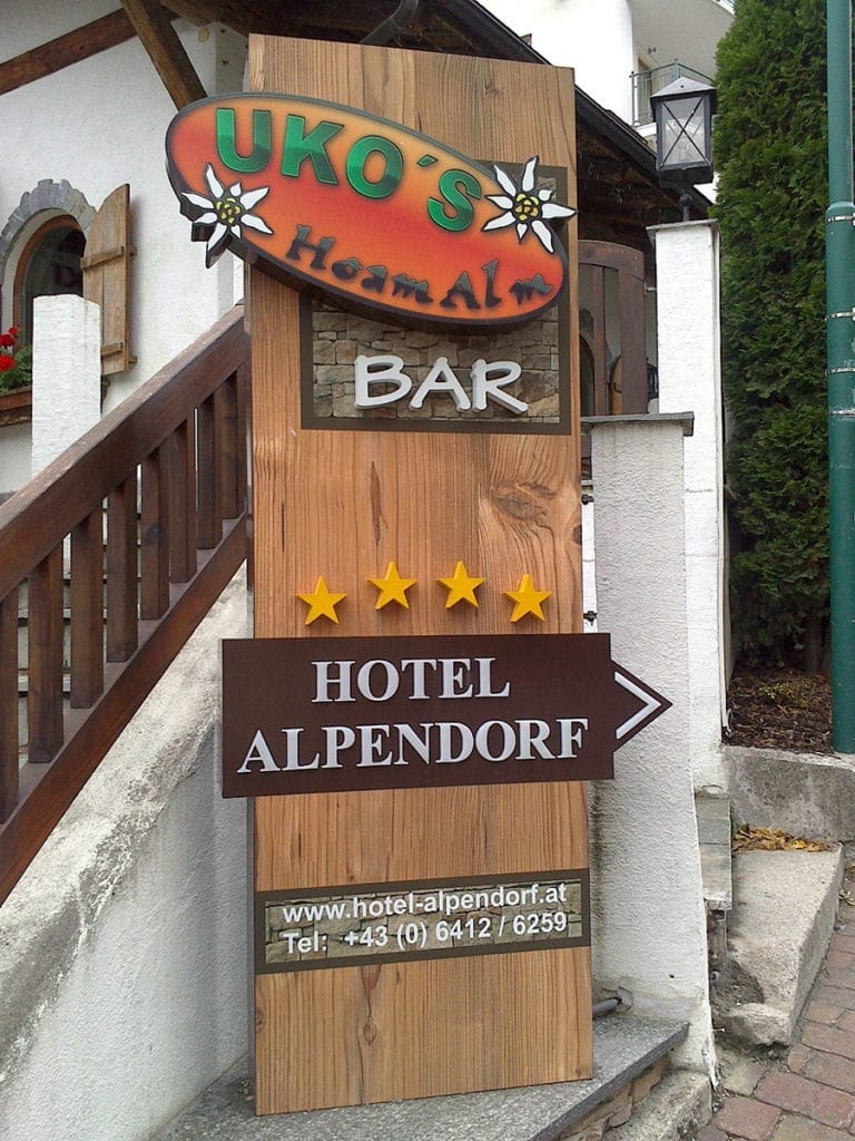 Referenz - Pylon, Hotel Alpendorf